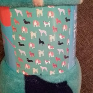 Doggy pattern soft throw